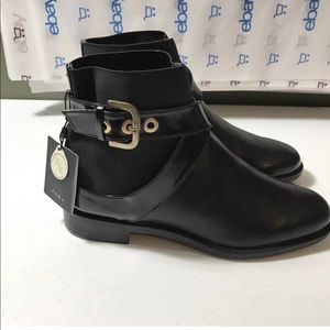 New Zara Womans Ankle Boots Size 7 cross Buckle
